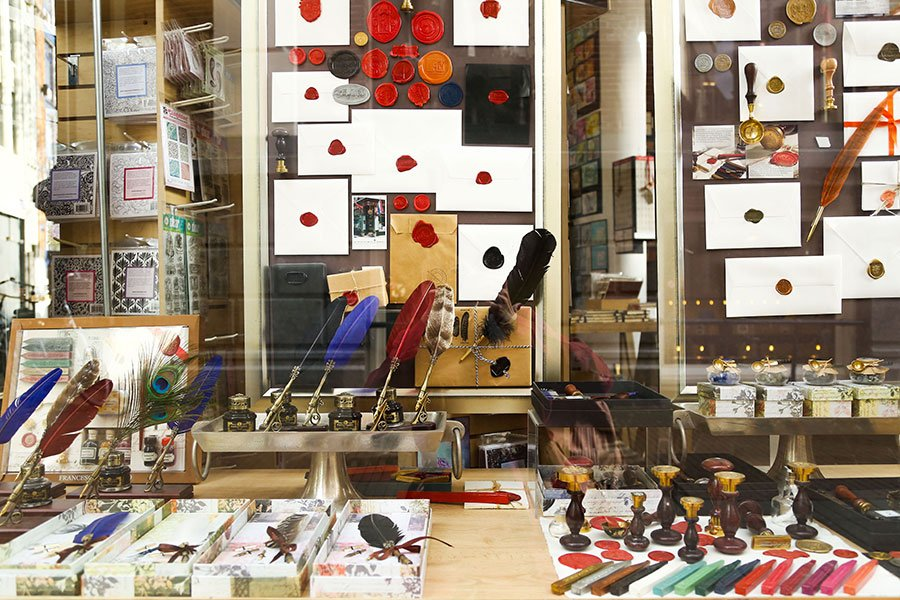 5 unique amsterdam shops you cant miss dutch wannabe in business since 1865 this incredibly atmospheric store will take care of all your stationery needs head here to enjoy one of the oldest amsterdam shops solutioingenieria Gallery