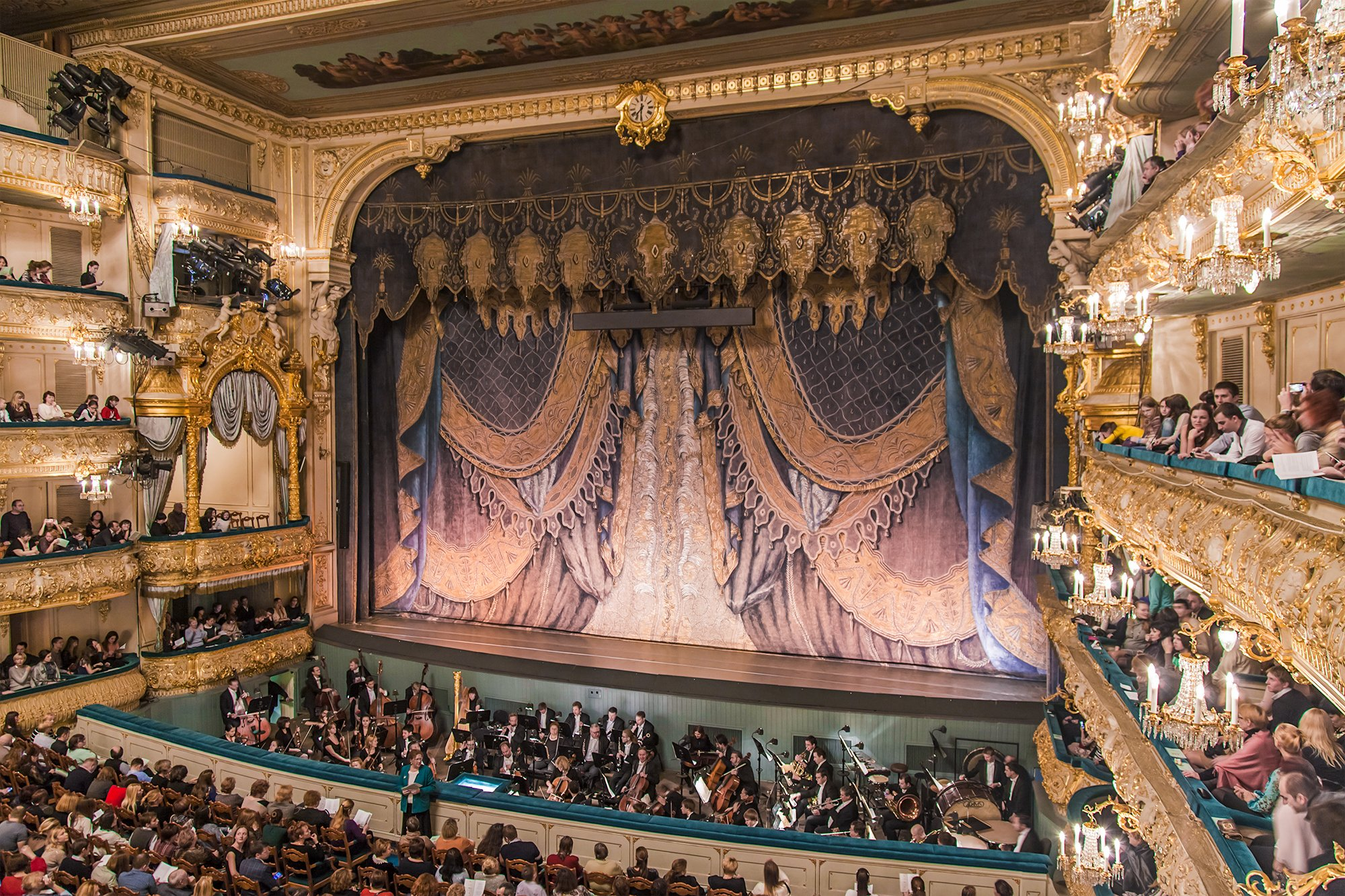 3 days in St Petersburg: spend an evening at Mariinsky Theatre