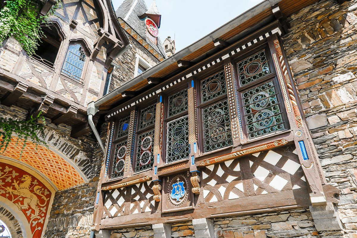 Cochem castle architecture: woodwork and details on the windows
