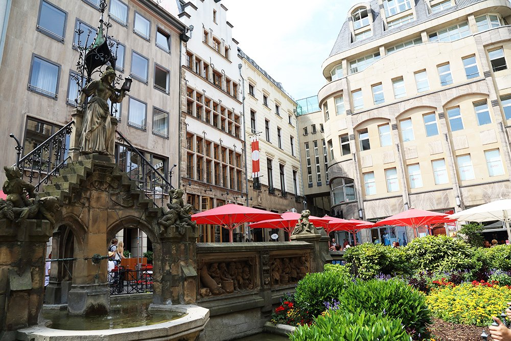 Gnome fountain Cologne Heinzelmännchenbrunnen