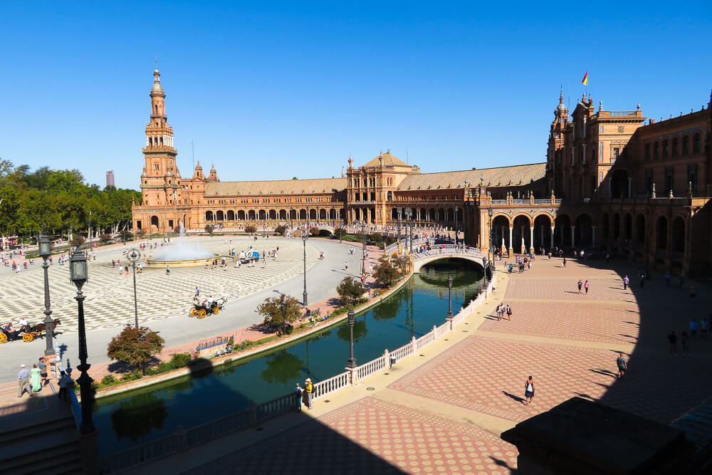 Things to do in Seville: visit the Plaza de Espana