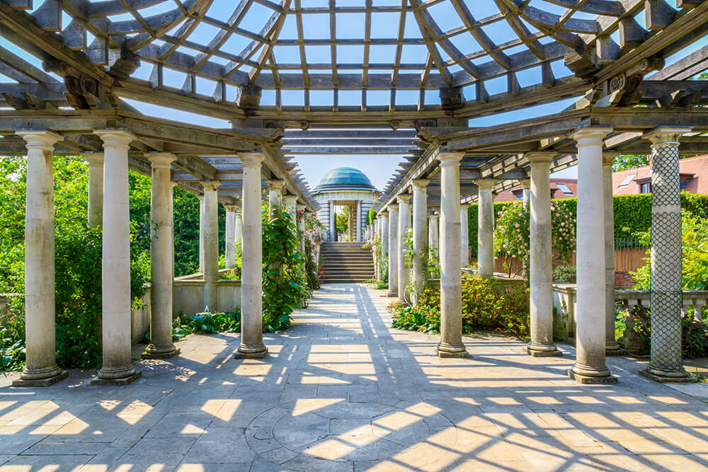 Unusual things to do in London: Hampstead Pergola and Hill Garden